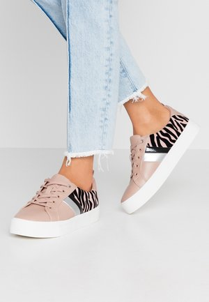 AUGUSTISKI - Sneakers laag - other pink