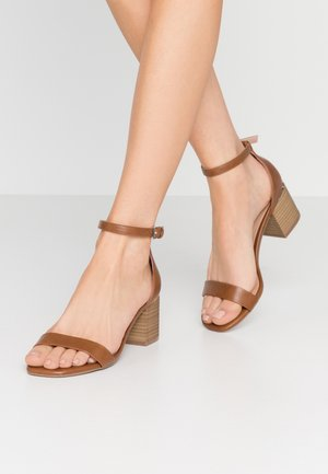 MAKENZIE - Sandals - cognac