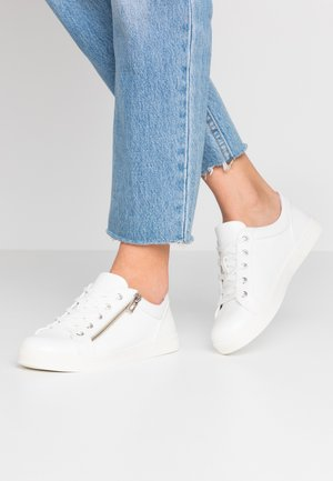 AVAA - Baskets basses - white