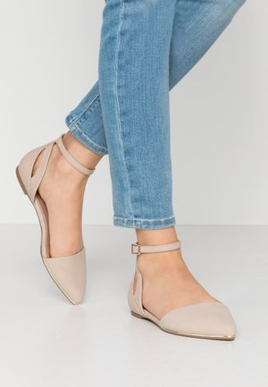 CHARLOTE - Ankle strap ballet pumps - bone