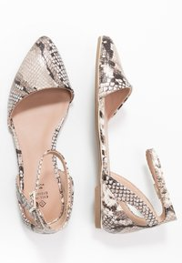 Call it Spring - CHARLOTE - Ankle strap ballet pumps - champagne - 3