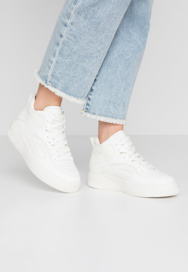 BINDRA - Sneakers hoog - white