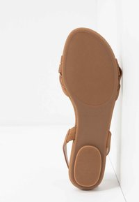 Call it Spring - FIRELLA - Sandaler - cognac - 6