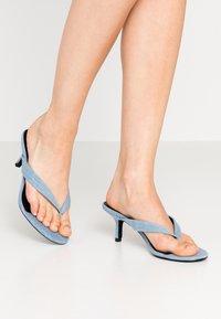 Call it Spring - MYLA - Sandály s odděleným palcem - medium blue - 0