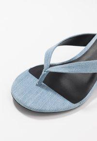 Call it Spring - MYLA - Sandály s odděleným palcem - medium blue - 2