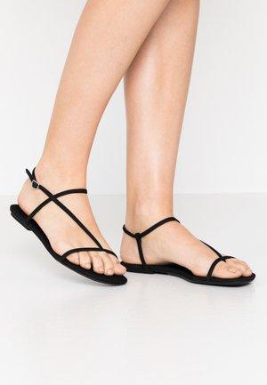 TWIGGYY - Sandály s odděleným palcem - black