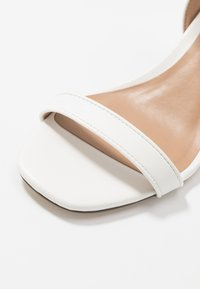 Call it Spring - ELERANG - Sandaler - white - 5