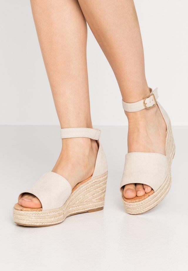 LIBERTII - Sandály na vysokém podpatku - bone