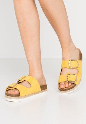 UNITII - Mules - medium yellow