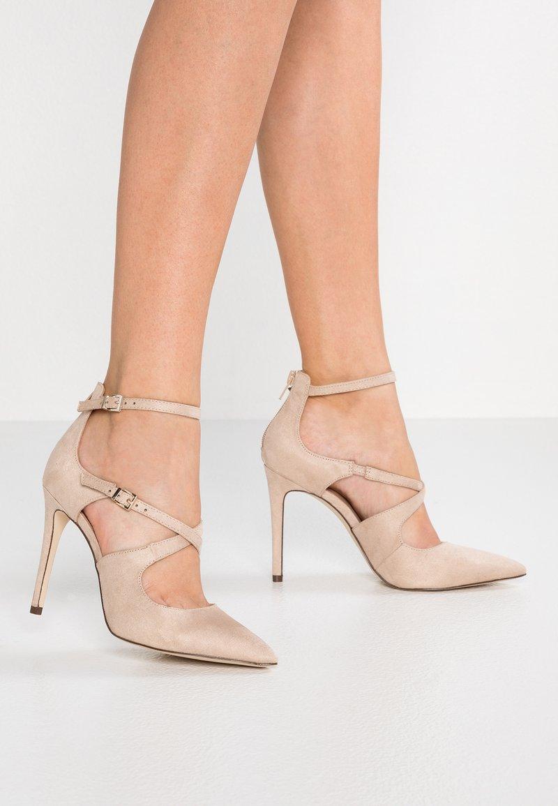 Call it Spring - FRIEDDA - Zapatos altos - bone