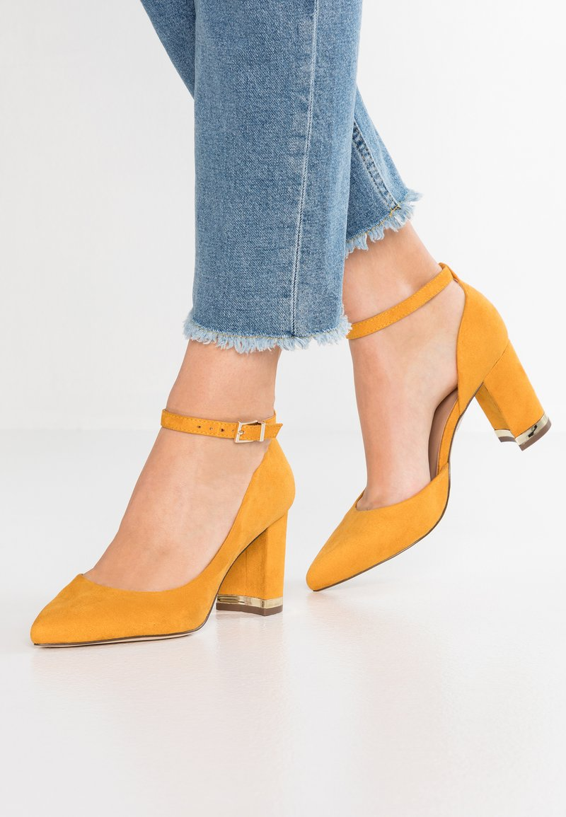 Call it Spring - IBELIDDA - Classic heels - dark yellow