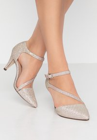 Call it Spring - EMELYA - Classic heels - light pink - 0