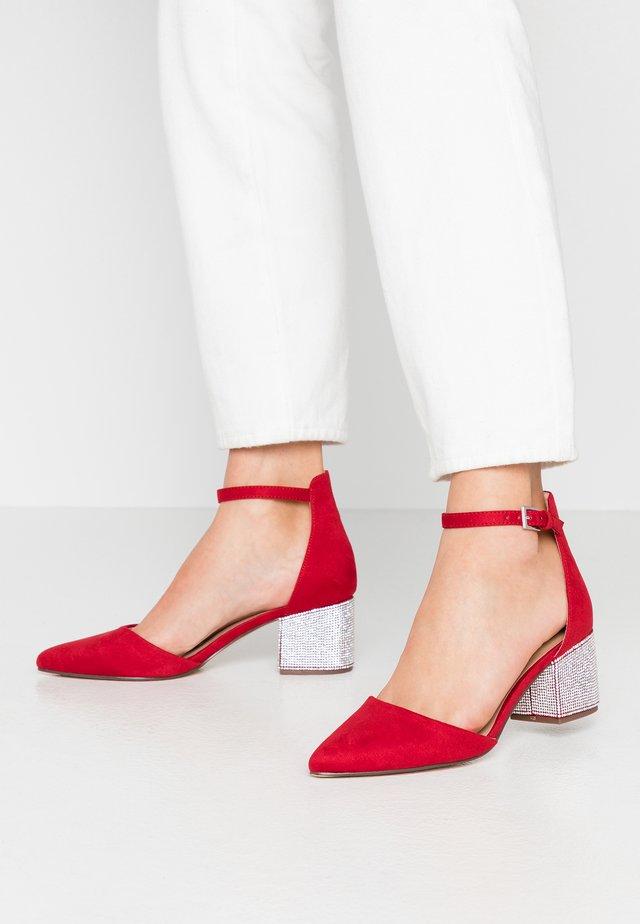 YULIYA - Klassiske pumps - red