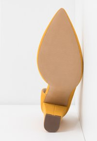 Call it Spring - EMMA - High heels - dark yellow - 6