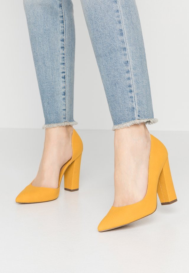 EMMA - High Heel Pumps - dark yellow