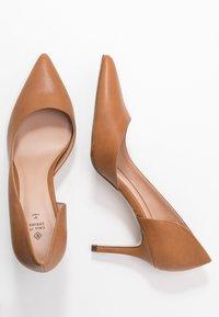 Call it Spring - VICTORIA - High Heel Pumps - cognac - 3
