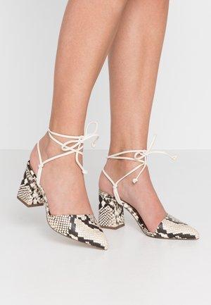MADEMOISELLE - Zapatos de salón con cordones - black/white