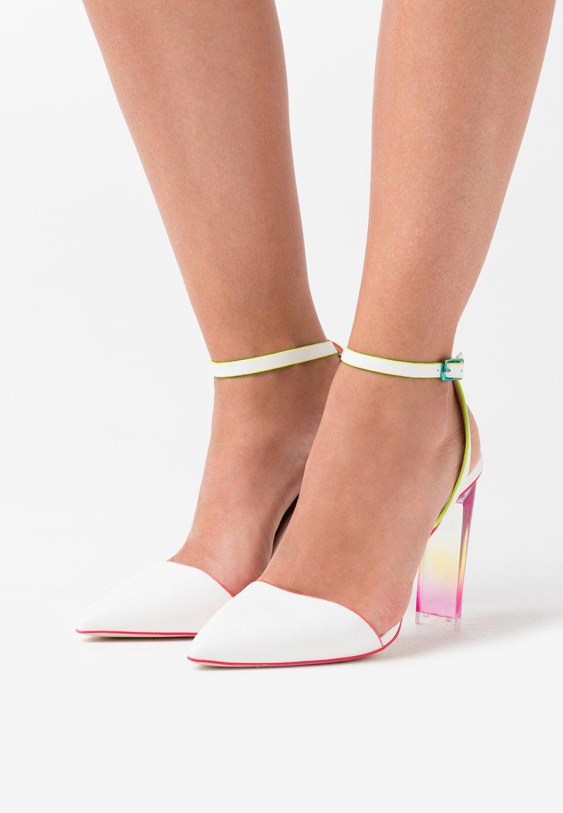 Call it Spring - GLAMOURISS - Zapatos altos - white