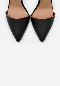 Call it Spring - GLAMOURISS - Zapatos altos - black - 4