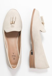 Call it Spring - KILANIA - Slippers - white - 3