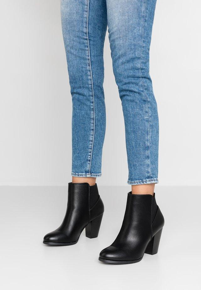 DANILACK - High Heel Stiefelette - black
