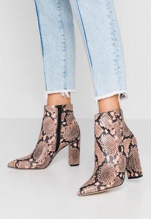 MAYDELL - Kotníková obuv na vysokém podpatku - light pink