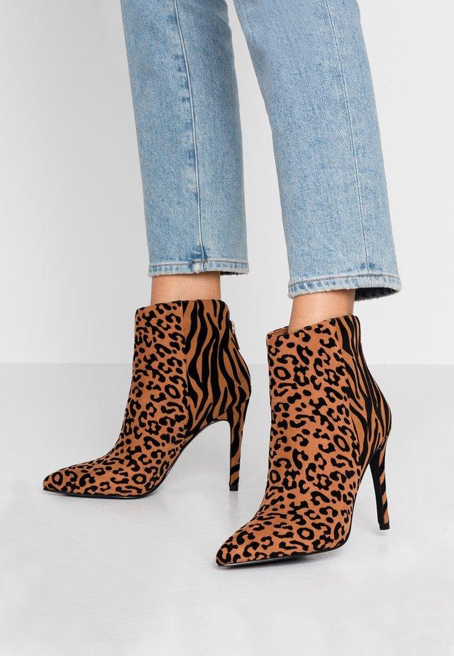 TULIPE - High Heel Stiefelette - beige