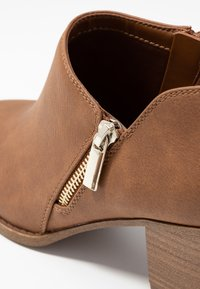 Call it Spring - CASEYY - Ankle Boot - cognac - 2