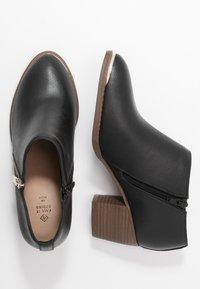 Call it Spring - CASEYY - Kotníková obuv - black - 3