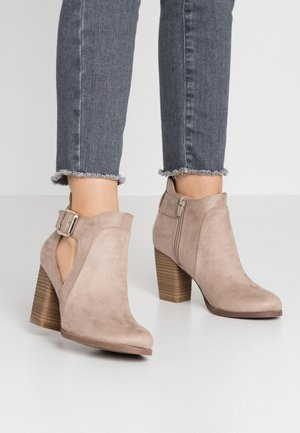 DELILAH - Boots à talons - medium grey