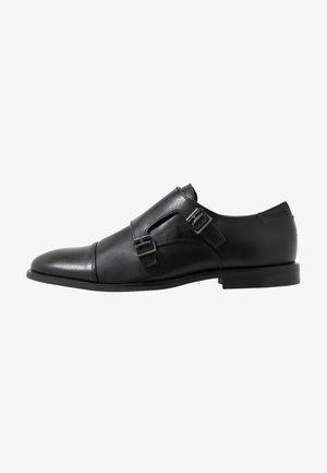 BENNION - Elegantní nazouvací boty - black