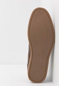 Call it Spring - UMOELLAN - Casual lace-ups - brown - 4