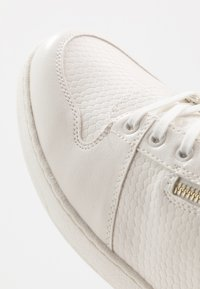 Call it Spring - NYDOADIEN - Sneakersy wysokie - white - 5