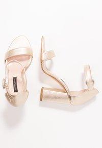 Alberto Zago - Korolliset sandaalit - gold - 3
