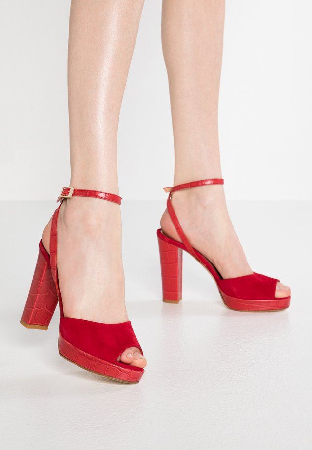 High heeled sandals - rouge
