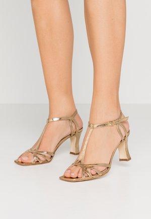 Sandály - oro