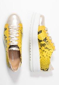 Alberto Zago - Sneakers basse - platino/giallo - 3