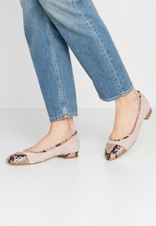 Ballet pumps - cipria