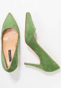 Alberto Zago - High heels - trifoglio - 3