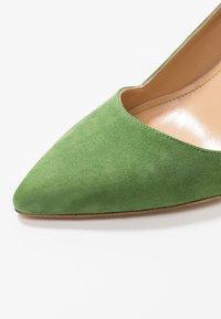 Alberto Zago - High heels - trifoglio - 2