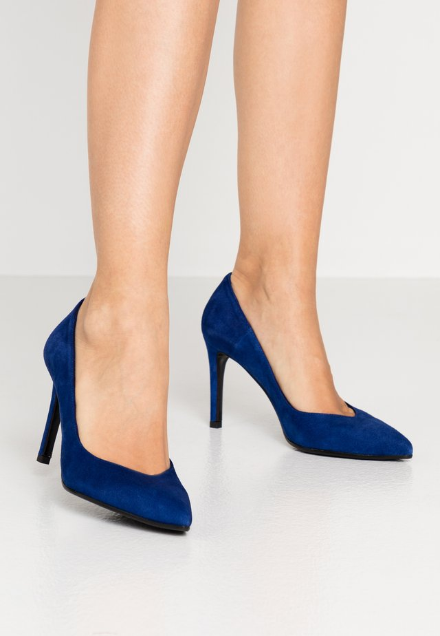 High Heel Pumps - royal