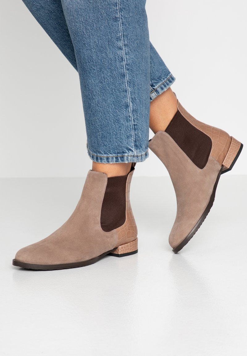 Alberto Zago - Classic ankle boots - taupe