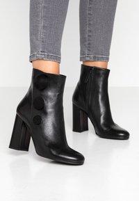 Alberto Zago - High heeled ankle boots - nero - 0
