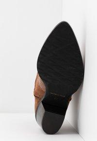 Alberto Zago - Cowboy/biker ankle boot - tan - 6