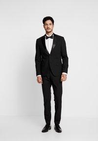 Bertoni - LAPEL TUX - Suit - black - 0
