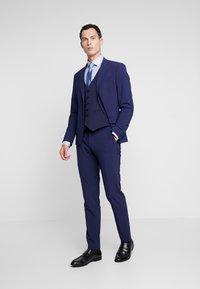 Bertoni - VINTER WAIST COAT - Vesta do obleku - blue - 1