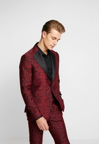 Bertoni - KARLSEN BLOCH - Suit - tibitan red - 2