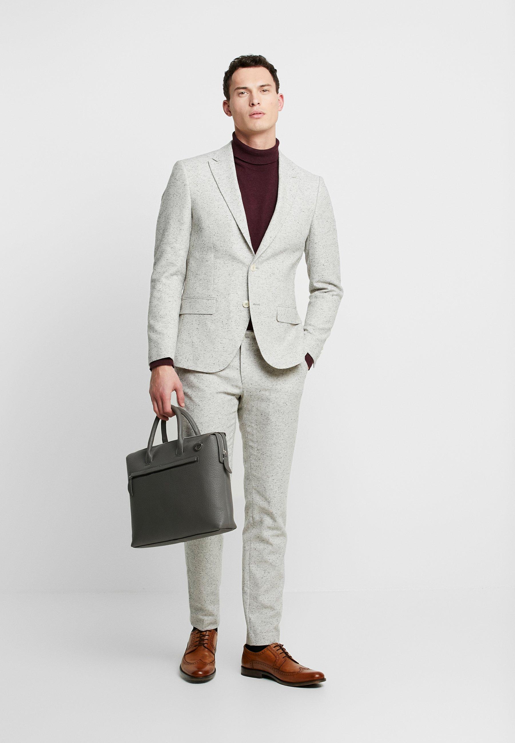 Bertoni Drejer Jepsen Suit - Costume Cloud