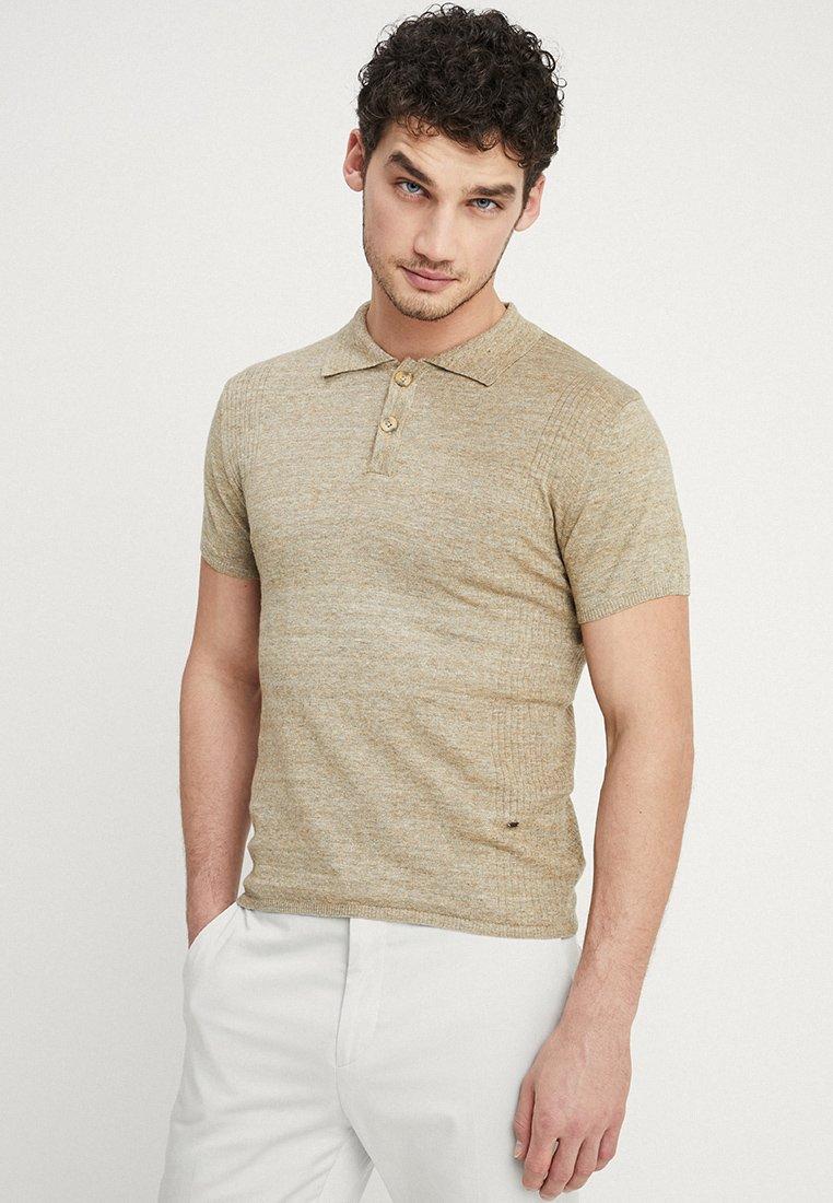 Bertoni - VALBORG - Polo shirt - corn stalk