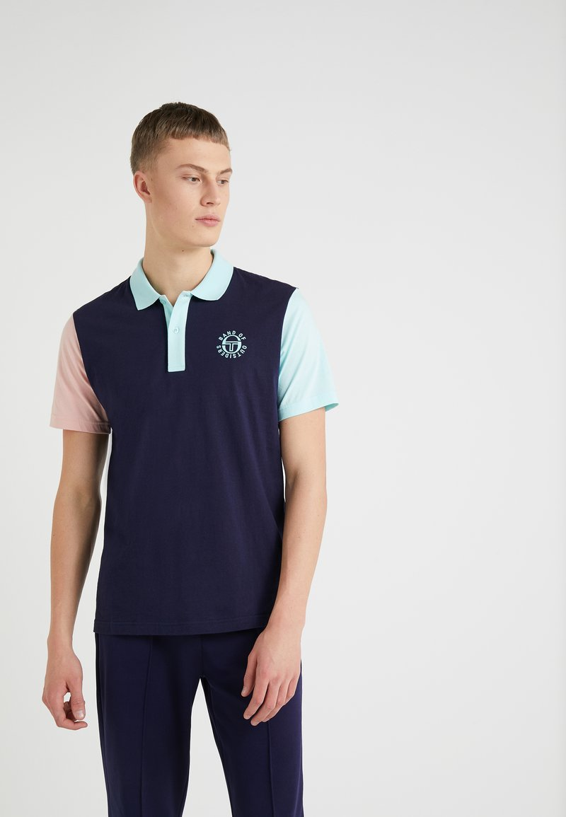 Band of Outsiders - SERGIO TACCHINI - Polo - navy/blush/aqua